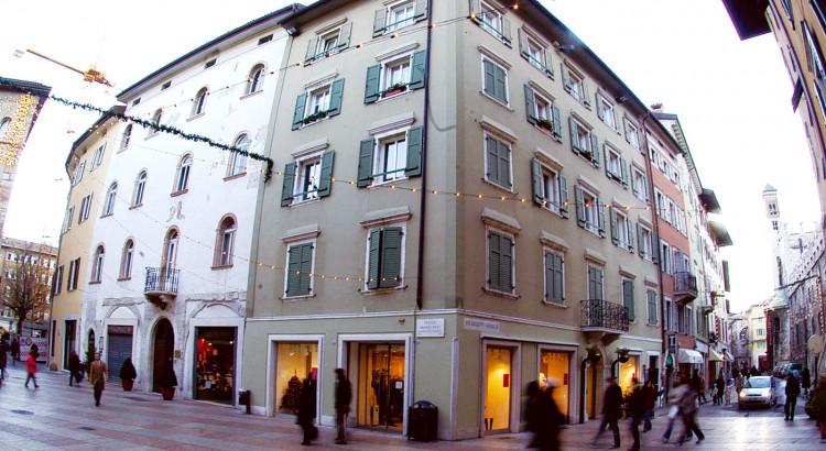 Trento-Ristrutturazione-Piazza-Pasi-angolo-via-garibaldi_02
